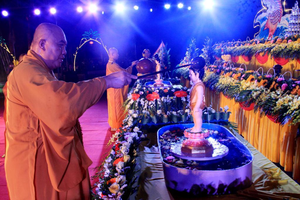nguoiphattu_com_khai_mac_phat_dan_huong_khe37.jpg