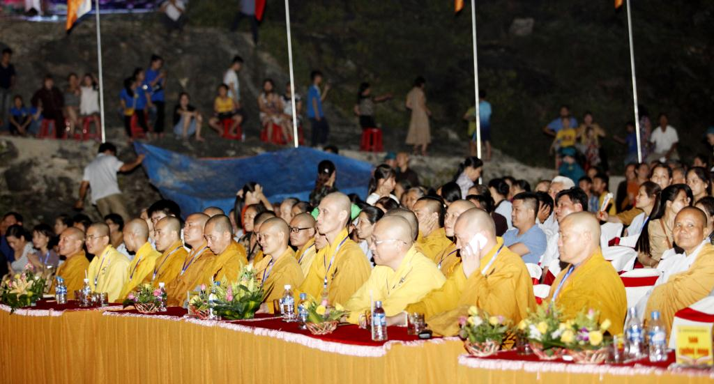 nguoiphattu_com_le_chinh_thuc_phat_dan_ha_tinh12.jpg