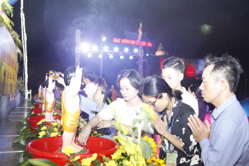 nguoiphattu_com_le_chinh_thuc_phat_dan_ha_tinh17.jpg