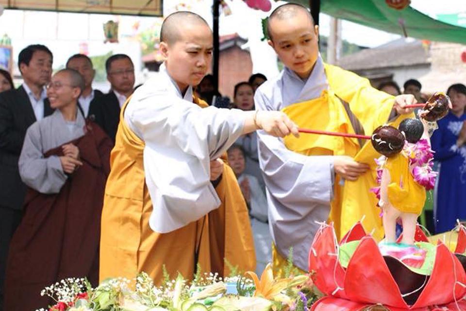 nguoiphattu_com_phat_dan_chua_hoa_lac_dai_nam_nhat_ban7.jpg