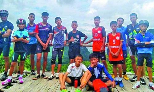 thien_phat_giao_giup_doi_bong_thai_lan_gap_nan_1.jpg