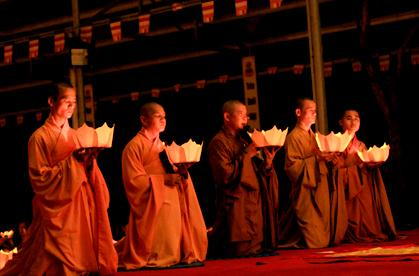 nguoiphattu_com_vu_lan_chua_nhieu_long_nguoiphattu5.jpg