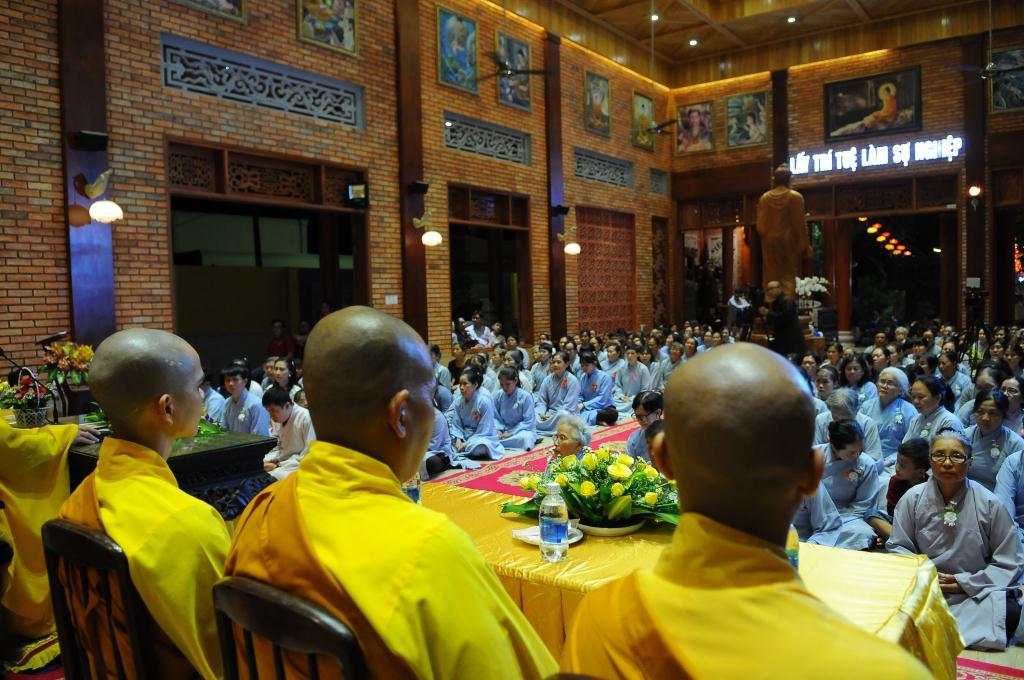 nguoiphattu_com_vu_lan_tinh_vien_phap_hanh_nguoiphattu13.jpg
