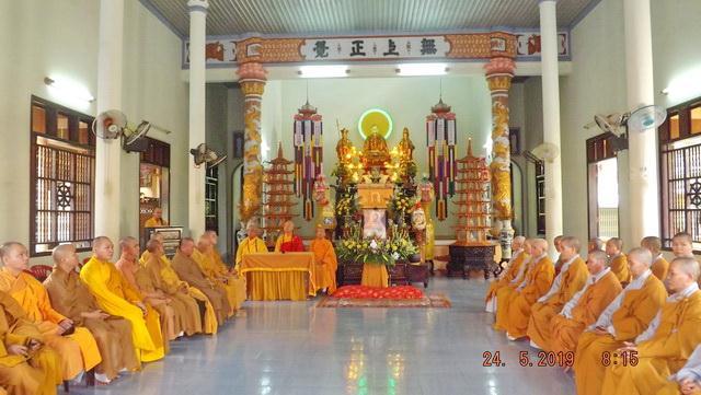 tuong_niem_bo_tat_quang_ducnguoiphattu_com3.jpg