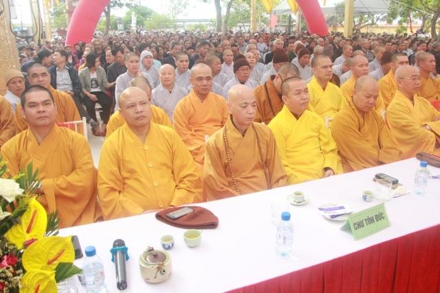 nguoiphattu_com_khanh_thanh_chua_nguyet_quang3.jpg