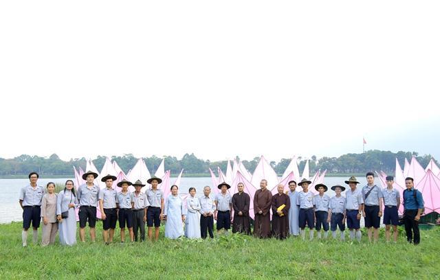 7_hoa_sen_tren_song_huong_nguoiphattu_com113.jpg