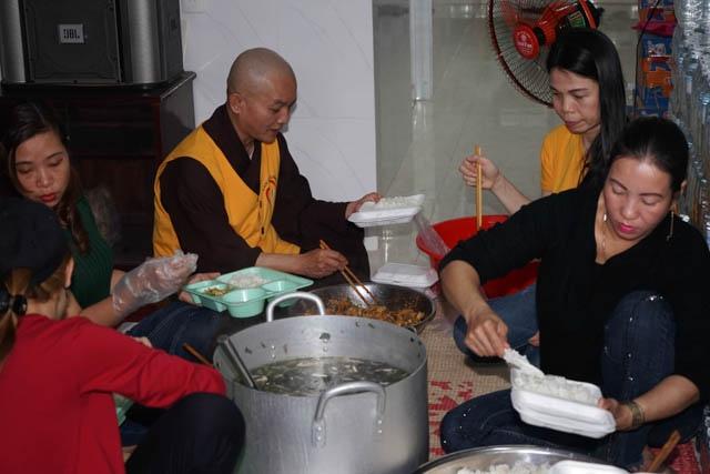 nguoiphattu_com_nhom_thien_nguyen_lam_yeu_thuong_tang_xe_dap1.jpg