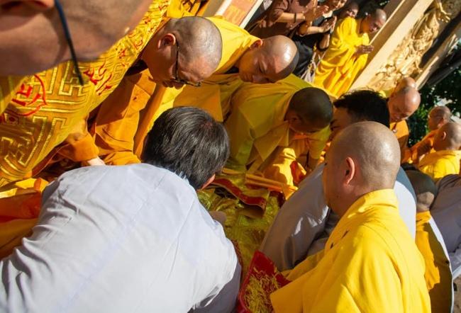 nguoiphattu_com_phat_tang_co_dai_lao_hoa_thuong_thich_quang_do2.jpg