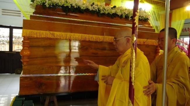 nguoiphattu_com_phat_tang_co_dai_lao_hoa_thuong_thich_quang_do26.jpg
