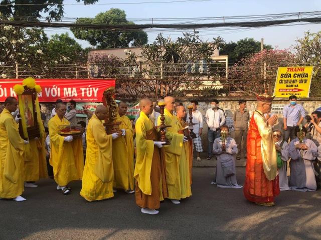 nguoiphattu_com_tra_ty_dai_lao_hoa_thuong_thich_quang_do17.jpg