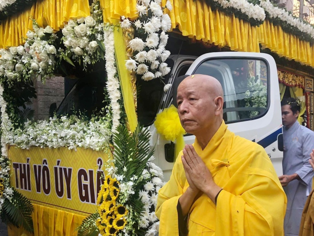 nguoiphattu_com_tra_ty_dai_lao_hoa_thuong_thich_quang_do8.jpg