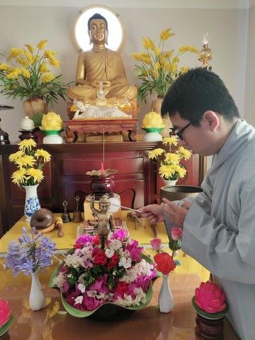 nguoiphattu_com_co_mot_gia_dinh_nhu_the_trong_moi_mua_phat_dan_ve1.jpg