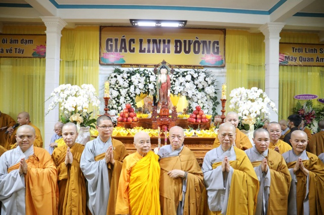 nguoiphattu_com_le_nhap_kim_quan_ni_truong_thich_nu_hue_giac21.jpg
