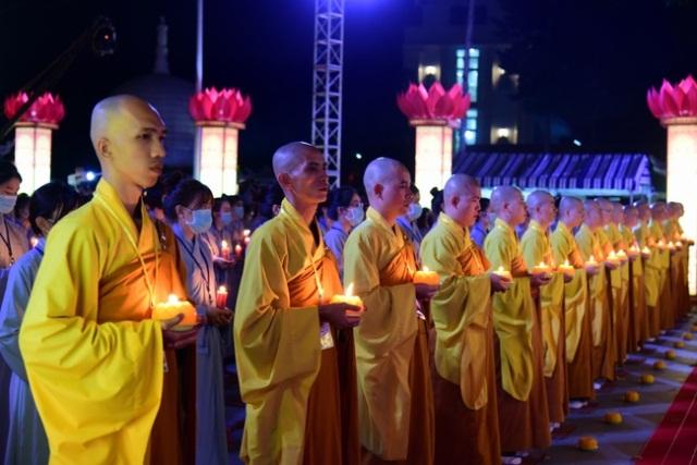 nguoiphattu_com_lung_linh_hoa_dang_via_duc_phat_a_di_da_nam_canh_ty2.jpg