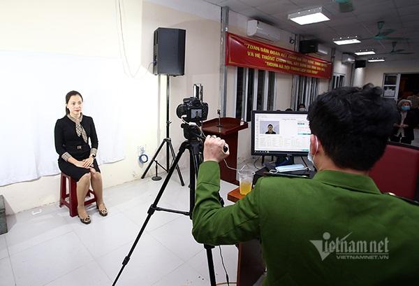 nguoiphattu_com_nguoi_dan_di_lam_can_cuoc_cong_dan_gan_chip_can_chuan_bi_gi0.jpg