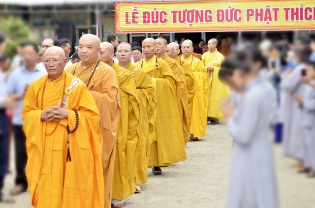 nguoiphattu_com_ha_tinh_chua_phuc_linh_rot_dong_duc_ton_tuong_phat_thich_ca_cao_5m26.jpg