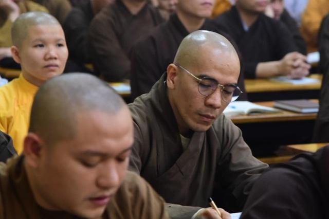 nguoiphattu_com_thuyet_giang_tai_lop_dao_tao_cao_trung_cap_giang_su11.jpg