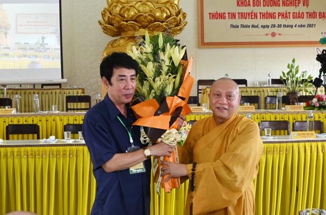 nguoiphattu_com_khoa_boi_duong_nghiep_vu_thong_tin_truyen_thong_a7.jpg
