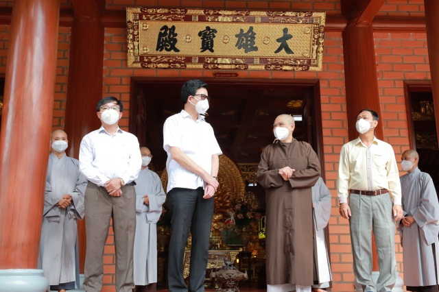 nguoiphattu_com_ban_ton_giao_chinh_phu_tham_chua_thien_quang0.jpg