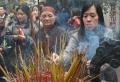 Vào chùa lễ Phật thắp hương như thế nào cho đúng?