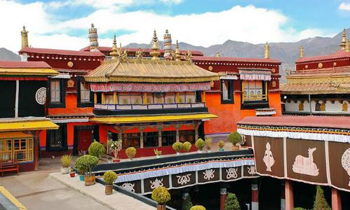 Cháy chùa thiêng Tây Tạng ngàn năm tuổi