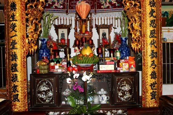 Nghi thức cúng giao thừa và vía Phật Di Lặc