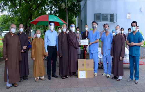 Giáo hội Phật giáo Việt Nam ủng hộ hơn 300 tỉ đồng chống dịch