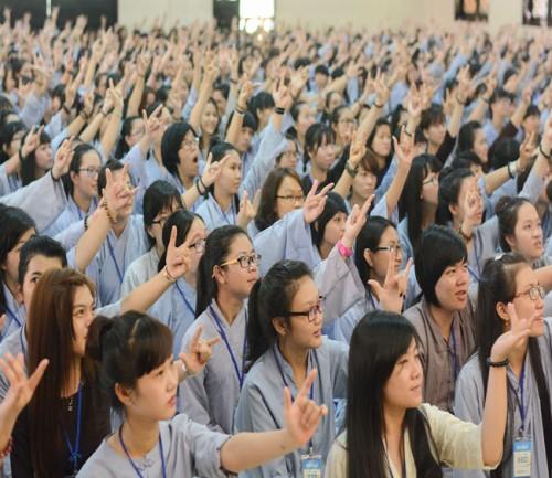 Gần 3000 bạn trẻ tham dự khóa tu mùa hè 2015 tại chùa Hoằng Pháp