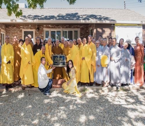 Lễ đặt đá xây dựng chùa Hoằng Pháp tại Hoa Kỳ