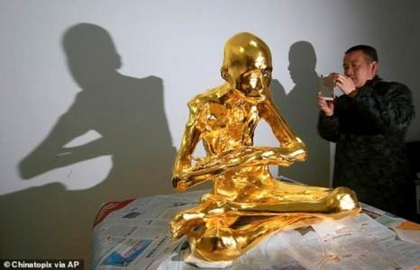 Dát vàng nhục thân 'Phật sống' tại Trung Quốc để thờ