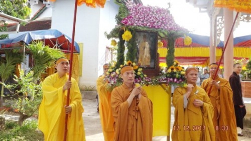 Cung thỉnh giác linh HT.Thích Ngộ Trí yết Phật, triều Tổ