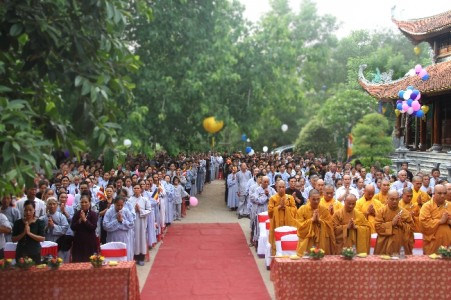 Tổ đình Cảm Sơn kính mừng Phật đản PL 2560 – DL 2016