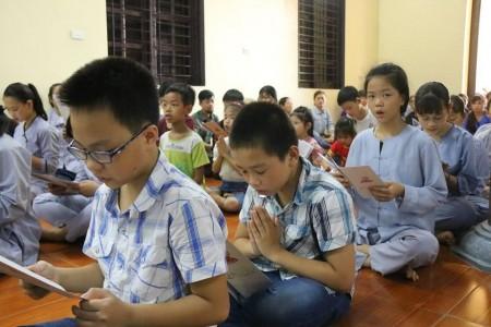 Hà Nội: Khóa tu thiếu nhi 'Uơm mầm sen Việt'