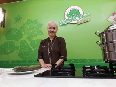 Nữ hoàng đầu bếp Nguyễn Dzoãn Cẩm Vân xuất gia