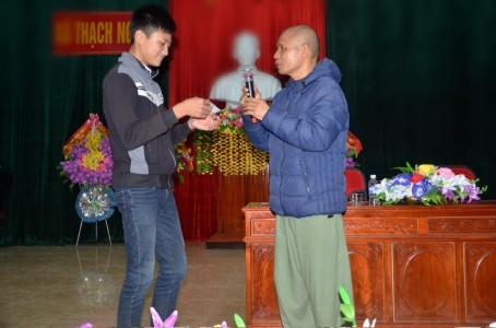 Hà Tĩnh: Tiến sĩ Nguyễn Mạnh Hùng: 'Các con hãy tự thắp đuốc lên mà đi !'