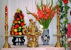 Dùng hoa, hương, trái giả cúng Phật liệu có mang tội?