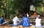 Phật quở trách sự xung đột giữa người theo pháp học và pháp hành