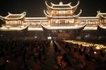 Chùm ảnh: Nghẹn ngào nước mắt đêm hoa đăng khóa tu mùa hè chùa Tam Chúc
