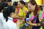 Hơn 900 bạn trẻ khóc như mưa trong 'Lễ thành nhân' tại chùa Hòa Phúc