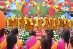 Hàng chục ngàn người về chùa Hoằng Pháp dự lễ Phật đản 2016