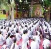 Hàng trăm người về chùa tu học sau ngày dịch bệnh Covid 19 kéo dài