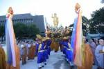TPHCM: Hàng ngàn người tham dự lễ rước tôn tượng Phật đản sanh
