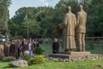 Thiền sư Thích Nhất Hạnh và tượng đài hòa bình tại Hoa Kỳ