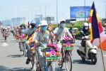 Chùm ảnh: Hàng trăm thanh niên Phật tử diễu hành xe đạp hoa kính mừng đại lễ Phật đản